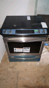 """FRIDGIDAIRE GALLERY 30"""" SLIDE-IN INDUCTION STOVE"""