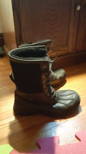 Men's size 8 Uggs Butte Boots