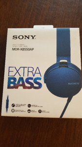 Sony XB550AP EXTRA BASS™ Headphones New in Box.