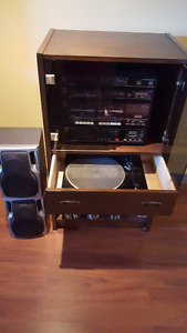 Antique sanyo record player