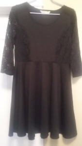 Dress - Black with lace arms - Large