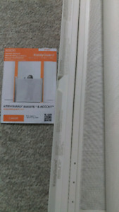 Lascal Kiddyguard assure and ascend baby or pet gate retractable