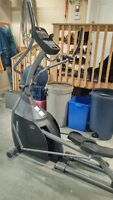 Horizon Elliptical E500