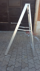 Folding Ladder 6ft with tray
