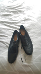 OLD NAVY BLACK LEATHER SHOES