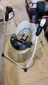 Foldable Baby Swing - Graco