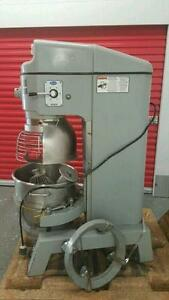 60 QUART GLOBE DOUGH MIXER ( MINT CONDITION )