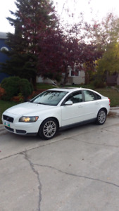 REDUCED for quick sale!!!SAFETIED 2005 VOLVO S40 T5 TURBO
