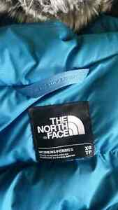 Parka The North Face - NEUVE - A VOIR Saguenay Saguenay-Lac-Saint-Jean image 4