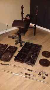 Weider Weight Bench w Leg & Curl Adapters, Bars and 220lbs Cambridge Kitchener Area image 1