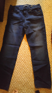 Level 99 staight skinny size 29P