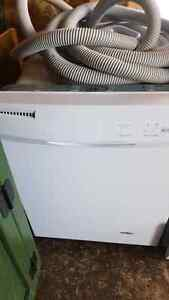 Dishwasher in good condition $20