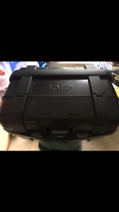 GIVI moniker box. With mounting bracket. Will ship.