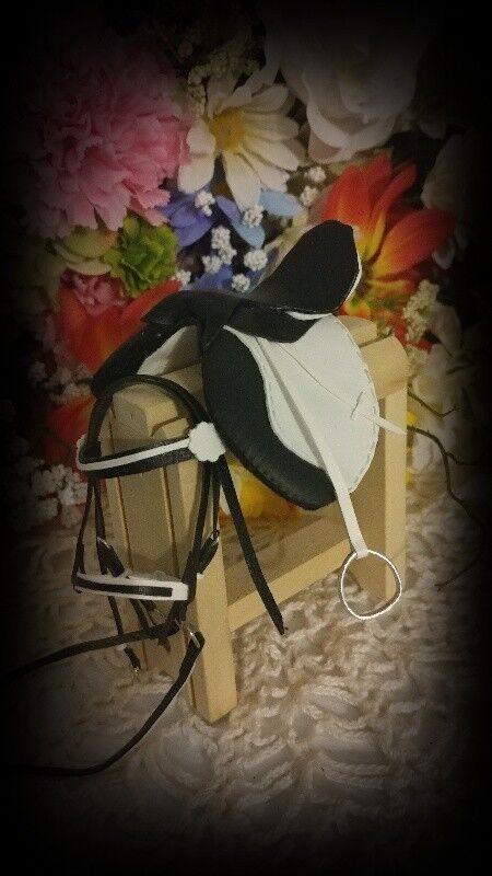 Traditional CM Breyer English Saddle SET Black/White