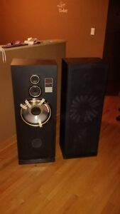 Sharp tower speakers with 12' Sub