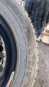 2 snow tires 215/70R16 Kingston Kingston Area image 1