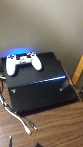 Playstation 4 Console + Controller  - with Battlefield 1 + SWBF