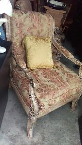 Very Beautiful Accent Occasional Chair WIth Arms