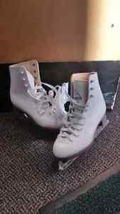 Glacier 120 Girls Figure Skates