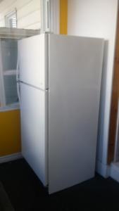 Refrigerateur très propre de marque Hotpoint