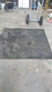 Heavy-duty rubber mat for the back of 2002 up to 2004 Avalanche