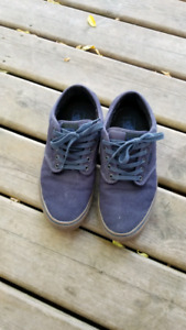 Men's Size 11.5 Vans Shoes