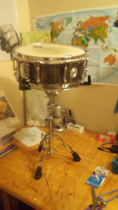 Mapex Tomahawk Steel Snare w/ Mapex Stand