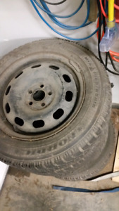 4x Goodyear Nordic winter tires and rims 185/65r16