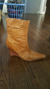 Camel-coloured wedge ankle boots, size 10