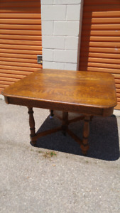 Antique TIGER OAK DINING/ KITCHEN TABLE   yyuupp
