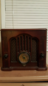 GE Old Style Radio Cassette Player