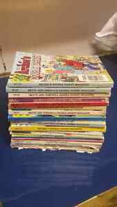 Collection of 18 Archie comic books