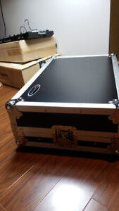 Odyssey Flight Case ( UNIVERSAL) for Dj Controller