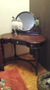 Make Up Vanity Table Buy New Amp Used Goods Near You Find