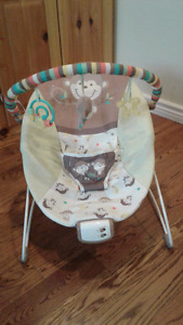 Bouncy chair with music and vibration