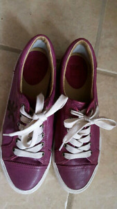 Frye kids low leather sneakers,  size  9, runs small