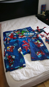 Ensemble de spiderman.