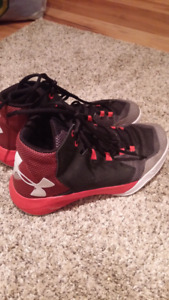 Girls Size 6Y Basketball Sneakers Under Armour