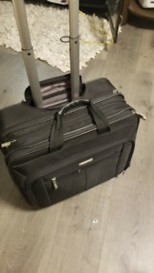 Carry-on Luggage Bag (Great Condition) - Samsonite