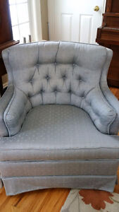 Classic style loveseat and chair Kingston Kingston Area image 3