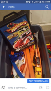 Hot wheels with tracks