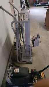 Wet tile cutter and stand plus water pump
