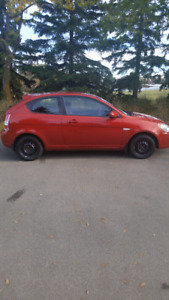 2010 Hyundai Accent - Low Km