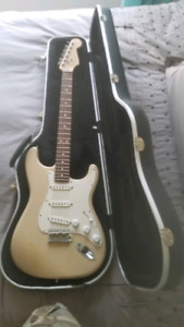 2009 fender highway one with hard case