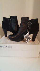New! Geox ankle boots