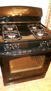 Gas Range Good Condition