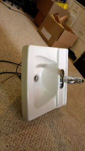 Ceramic Bathroom Sink with Delta Faucet Cambridge Kitchener Area image 2