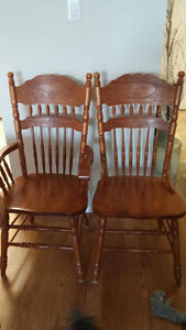 Wooden Dining Room Table and Chairs Belleville Belleville Area image 2