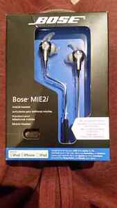 Bose headphones -unopened London Ontario image 1