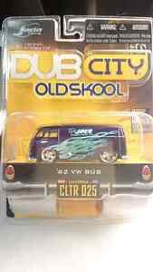 JADA TOYS DUB CITY OLDSKOOL 62 VW BUS JOES DISCOUNT DIE CAST